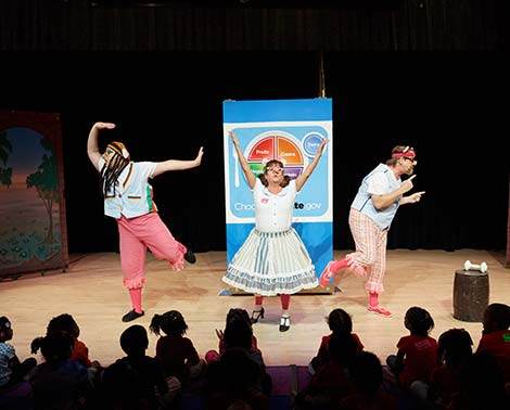 students perform during a SEAS performance at the broward center